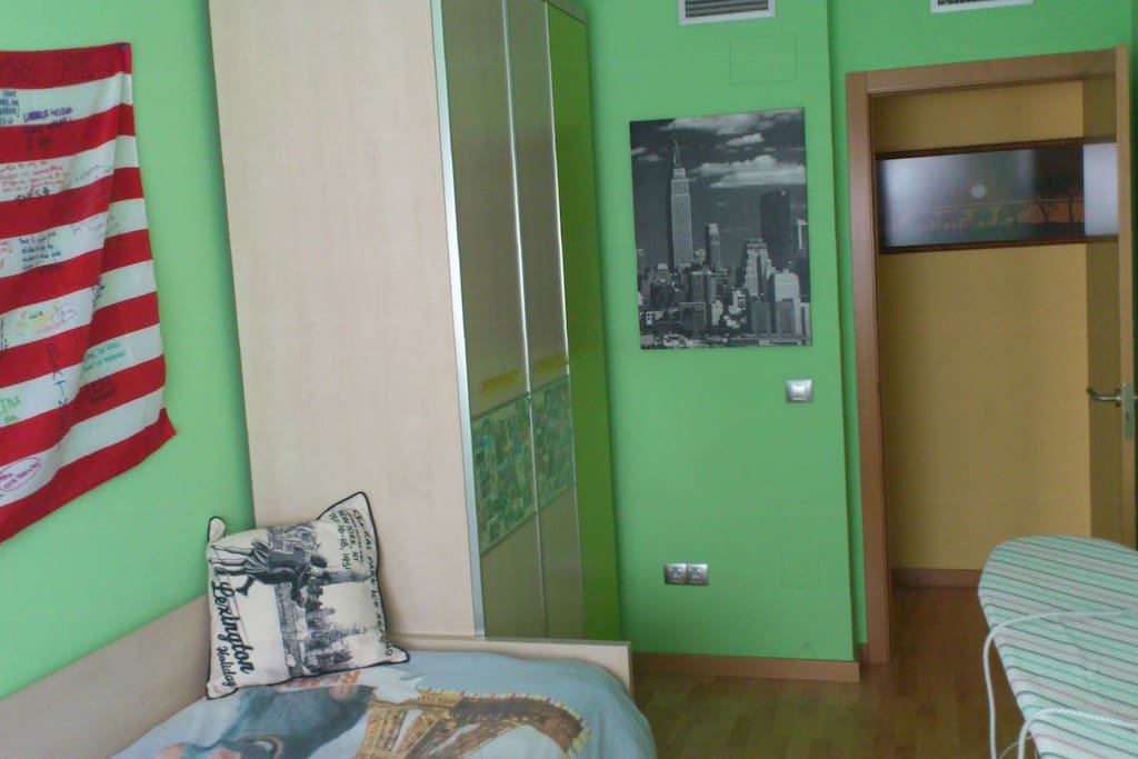 Habitación y piso nuevo