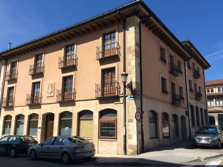 Apartamento céntrico con parking
