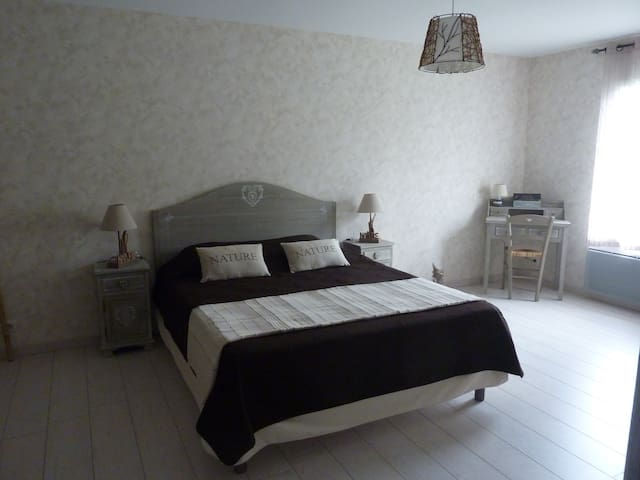 Chambre Nature Le Pavillon Sandrey - Moulis-en-Médoc - Bed & Breakfast