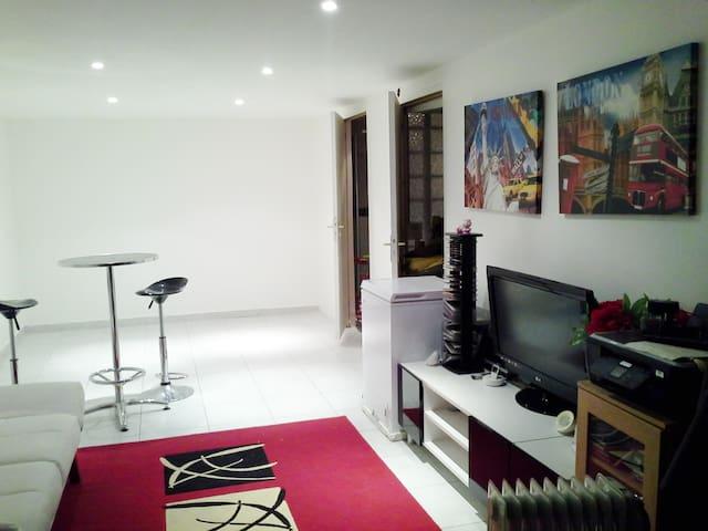 Chambre tout confort proche Paris - Villetaneuse - House