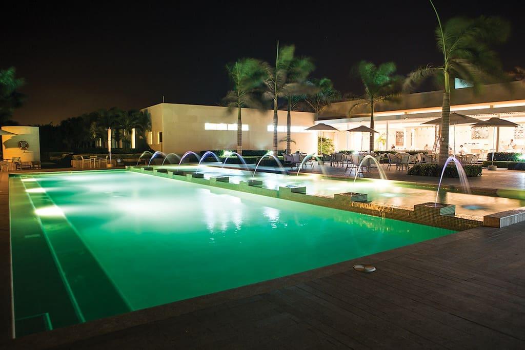 Sede del club con piscina