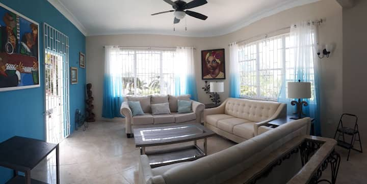 Gorgeous Newest 3BR Apartment  W/Pool