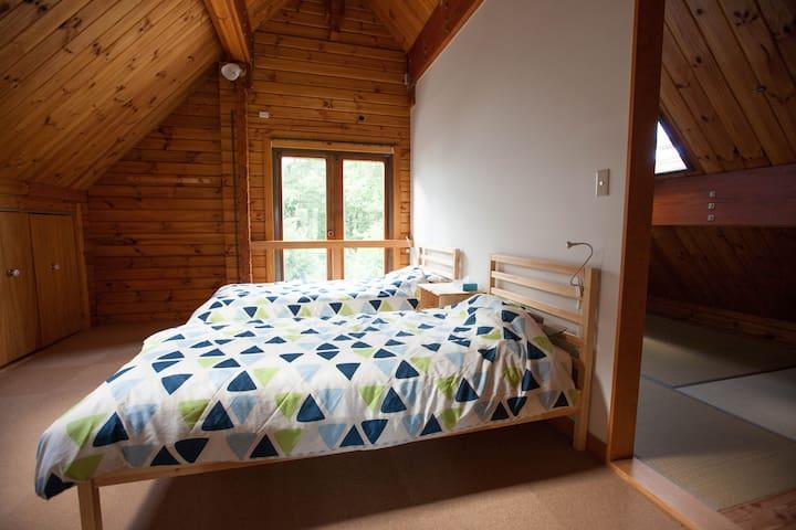 Bedroom on 2F