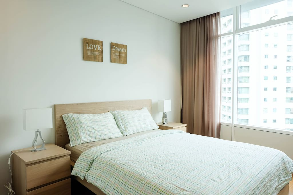 master bedroom with KL City view.