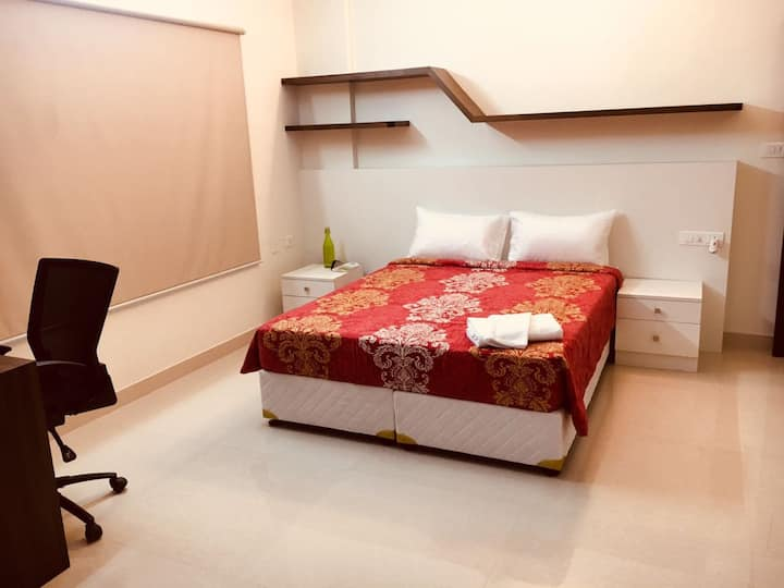 Fully furnished & serviced room near MG Road.