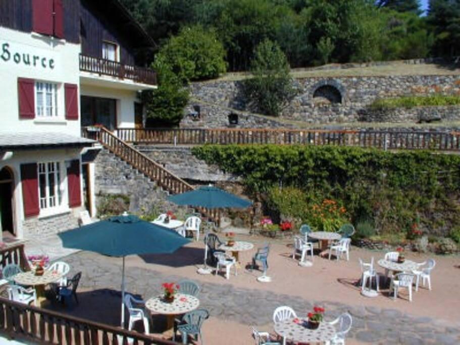 terrasse panoramique avec mobilier de jardin
