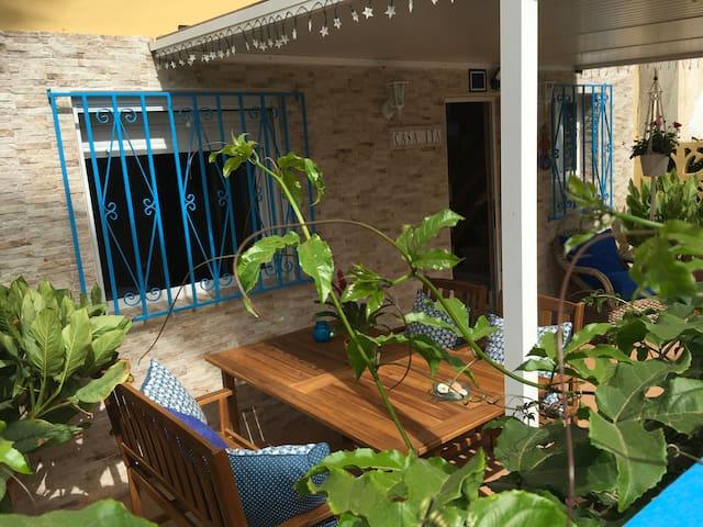 """""""Casa Ita"""" junto a la playa, WIFI y terraza"""
