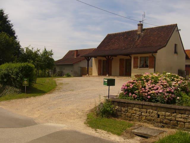 gite du fernand - Flacey-en-Bresse - House