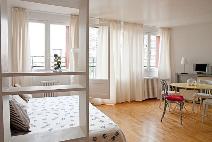 Studio ensoleillé terrasse privée - Paris - Wohnung