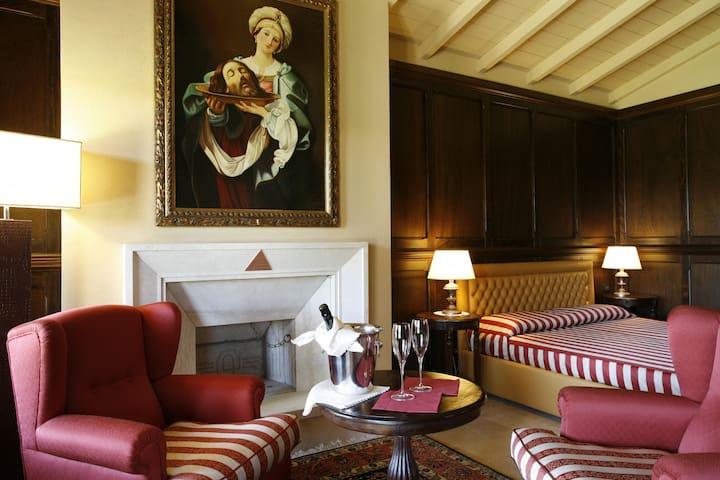 Camera Matrimoniale - Orroli