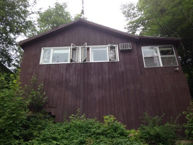 Two Bedroom Lake Front Cabin - Hinesburg - Hytte
