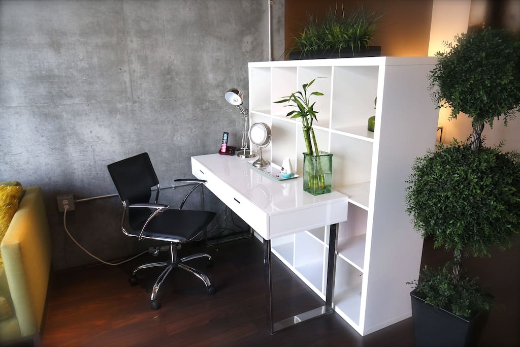 Work space with high-speed WIFI