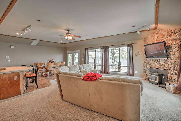 Spread out in 2,000 square feet of comfortable living space.