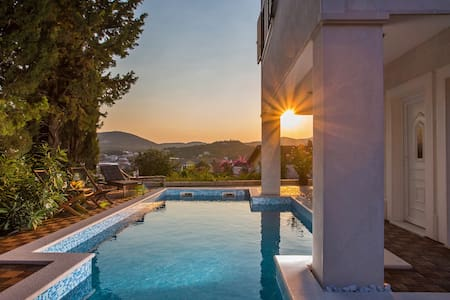 Double Room in Villa - Slano