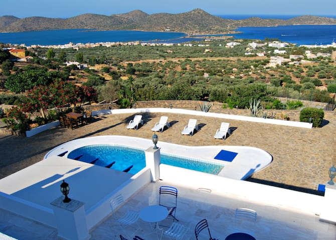 LUXURY VILLA / HOLIDAY HOME KRETA  - Elounda - House