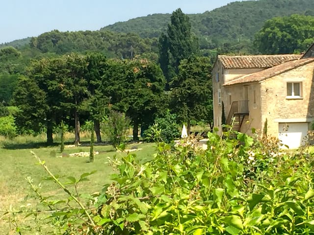 Airbnb Bonnieux Vacation Rentals Places To Stay