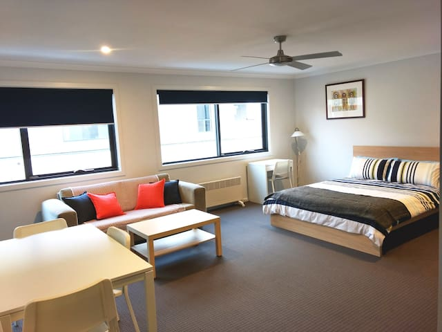 Cranbourne - Private Studio Apartment