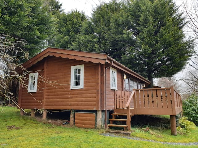 Country log cabin ** Seren Property**