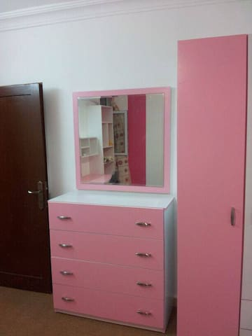 small appartment for girls and ladies only - Irbid - Daire