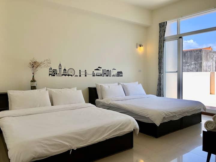 Ren Ke Guest House | En suite Quadruple Room
