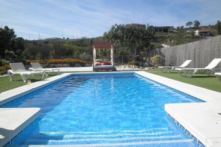 Moderna villa cerca de Marbella.