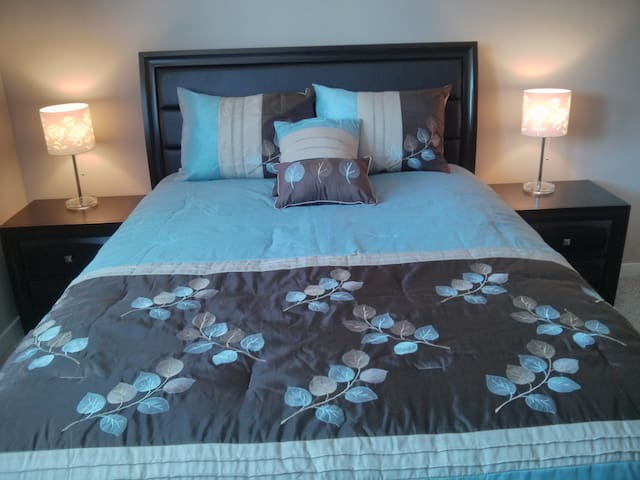 Kelowna Blue Guest Suite - Kelowna - Dom