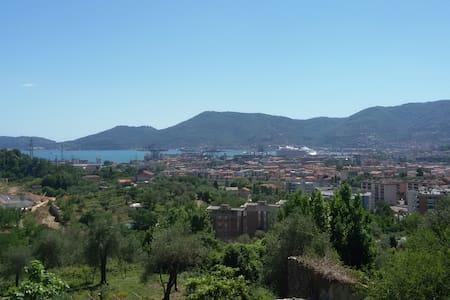 Colline della Spezia 10' dal centro - La Spezia