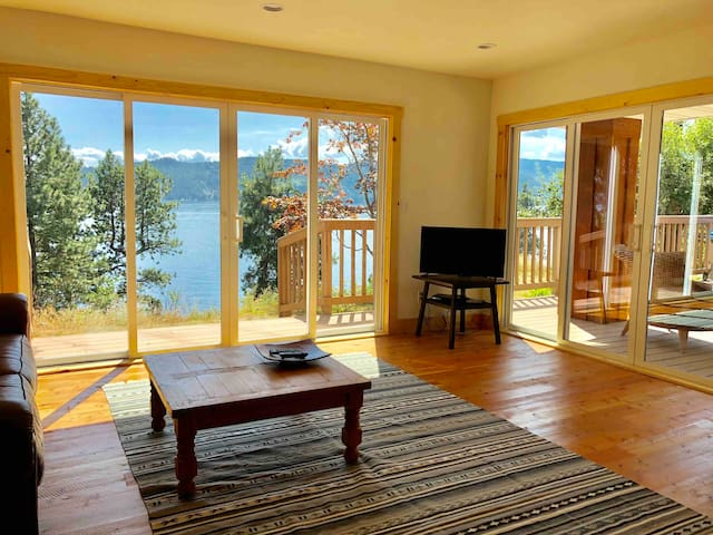 Lake View Getaway in Sandpoint