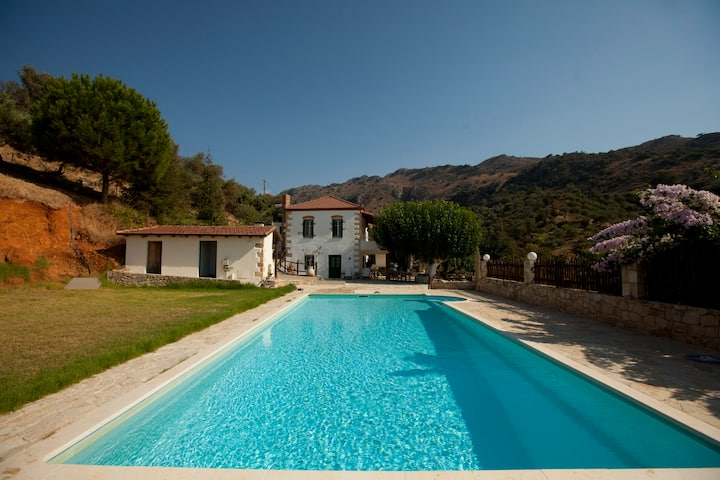 CRETE GREECE- VILLA CHRYSSA