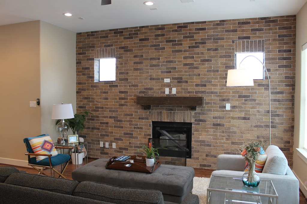 Living Room, Brick, gas log fireplace