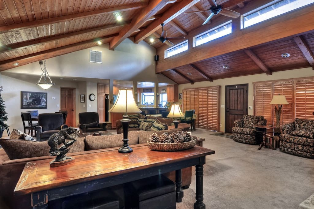 Huge Great Room will accommodate your entire group