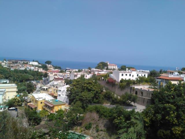 Casetta tra mare e montagna