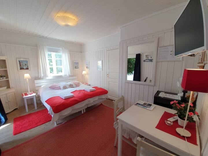 Hotell Klockargården Öregrund! Frukost ingår! Rm10