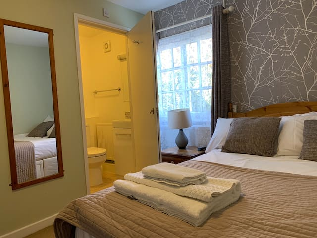 The White Hart Inn - Small Double Room