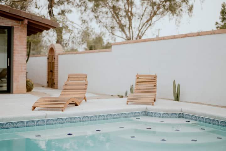 Desert Hues: A Private & Spacious Retreat w/Pool