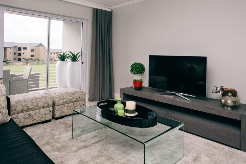 """Samsung 48"""" Smart TV with full bouquet DSTV, free WIFI and DVD player. Lounge is also air conditioned"""