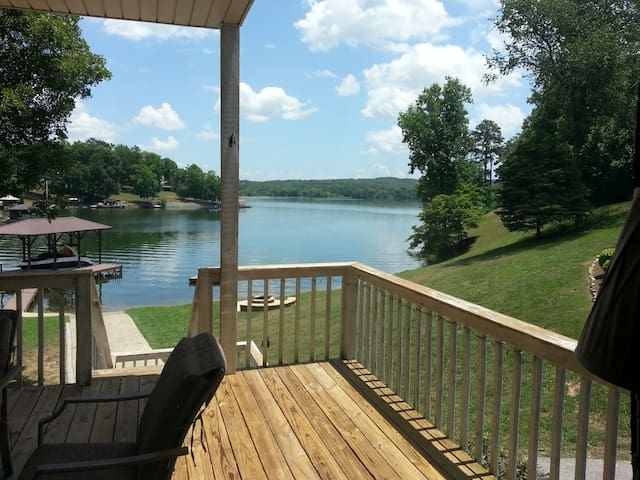 Lakeside Chickamauga Retreat & Boat House - Sale Creek - Ev