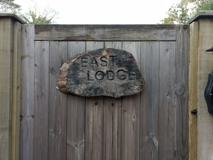 Chewton Lodge East. Glen Cottage. Chill Time.