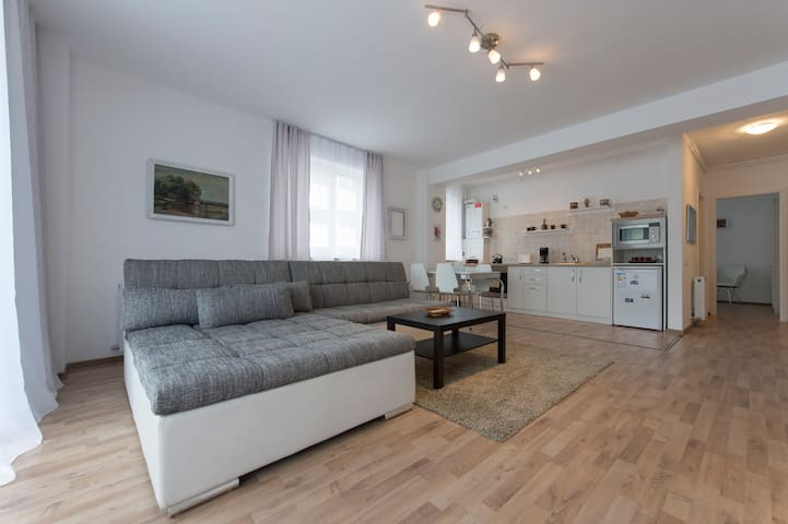 Alphaville Apartament - Brașov - Appartement