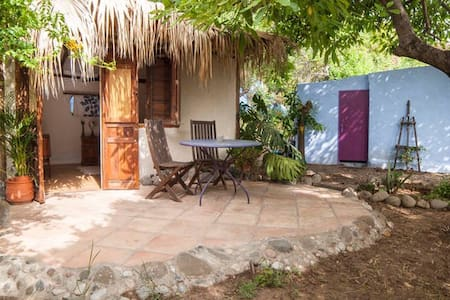 Rustic Cabin in Peaceful Orchard - Estepona - Chalet
