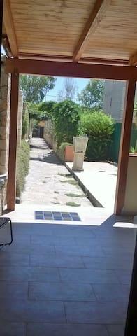 casetta colonica con giardino - Lecce - Villa
