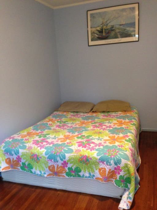 Floor is redwood and bed is natural latex over foam and sheets are 100% cotton.