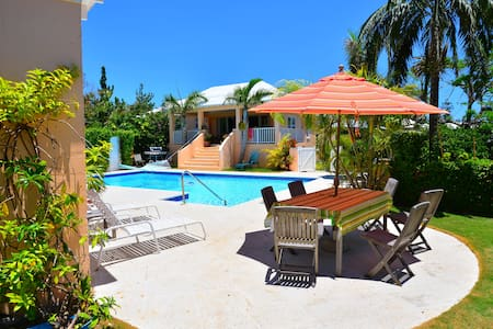 Natalia Pool Cottage,  Bermuda - Warwick
