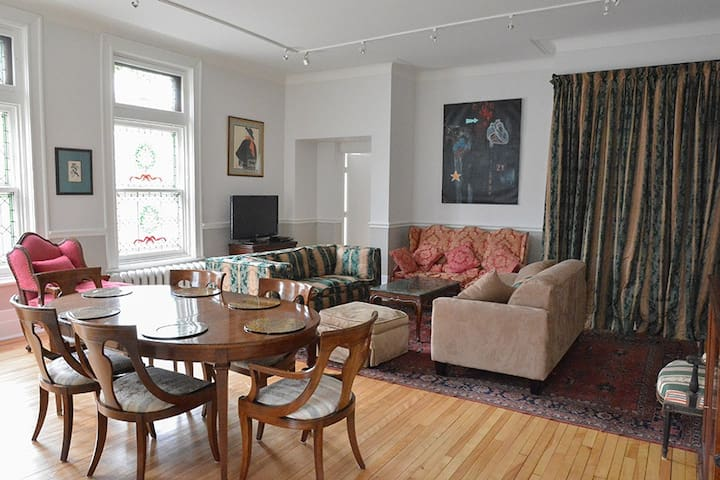 Beautiful 2BD/2BR with parking - Montreal - Apartemen