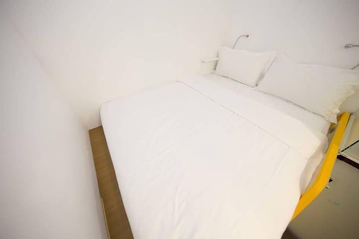 高級雙人大床房Deluxe Double Room (03)