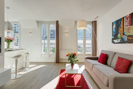 CHAMPS ELYSEES APARTMENT
