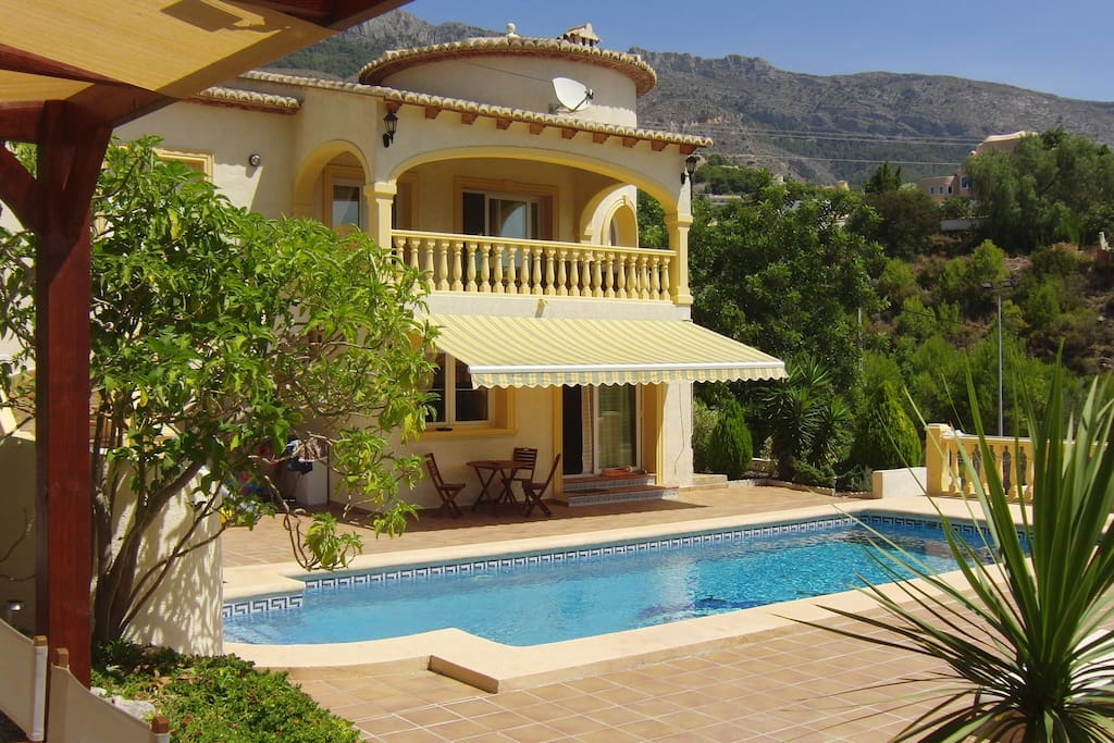 Villa priv tennisbaan en zwembad villas for rent in alicante valencian community spain - Zwembad terras outs ...