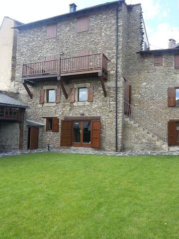 Apartamento rústico en Osseja - Osséja - Daire