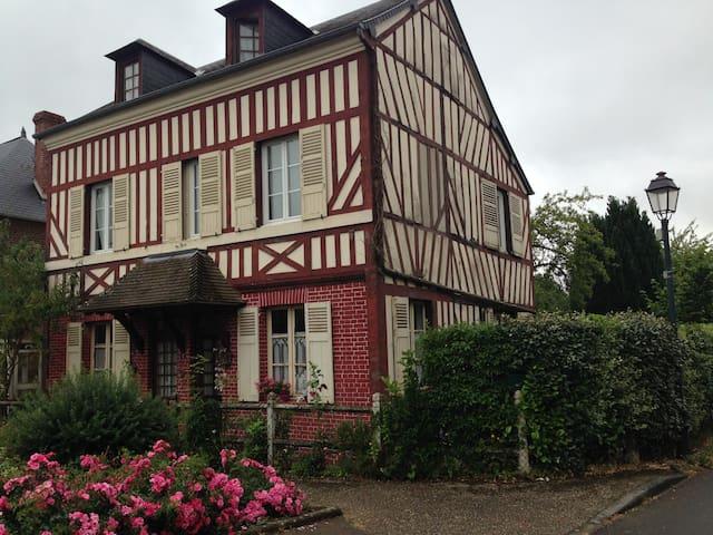 chambres dans maison  de charme - Marolles - Casa