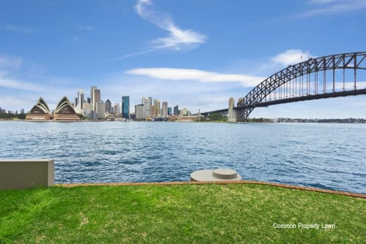 2 Bed Apartment on Sydney Harbour